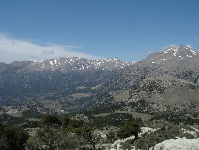 Dikti_mountain,_Crete,_Greece-cc-by-sa-3.0-lathiot.jpg