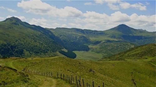 auvergne,aurillac,cantal,montagne,paysage,france